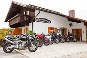 Bikergruppe am Stoaberger Hof